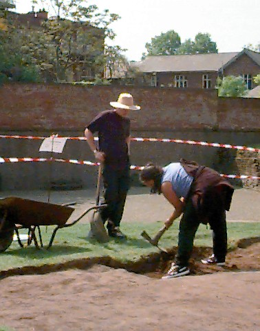 Chester amphitheatre excavation 2001